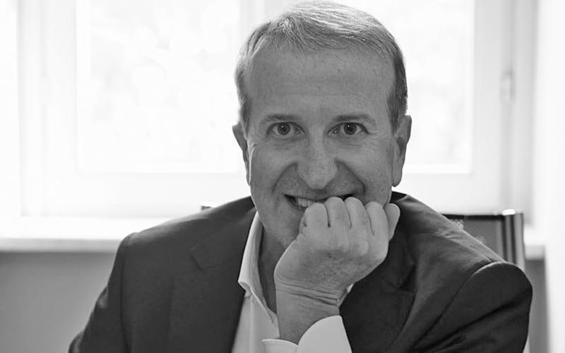 Dr. Roberto Villa