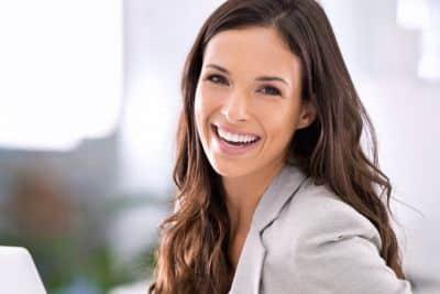 Parodontite: donna giovane