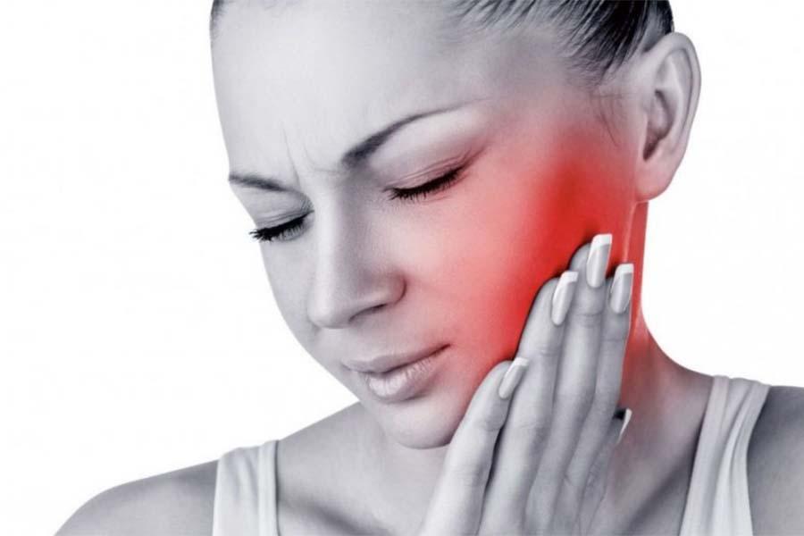gongiore guancia - Convalescenza dopo impianto dentale